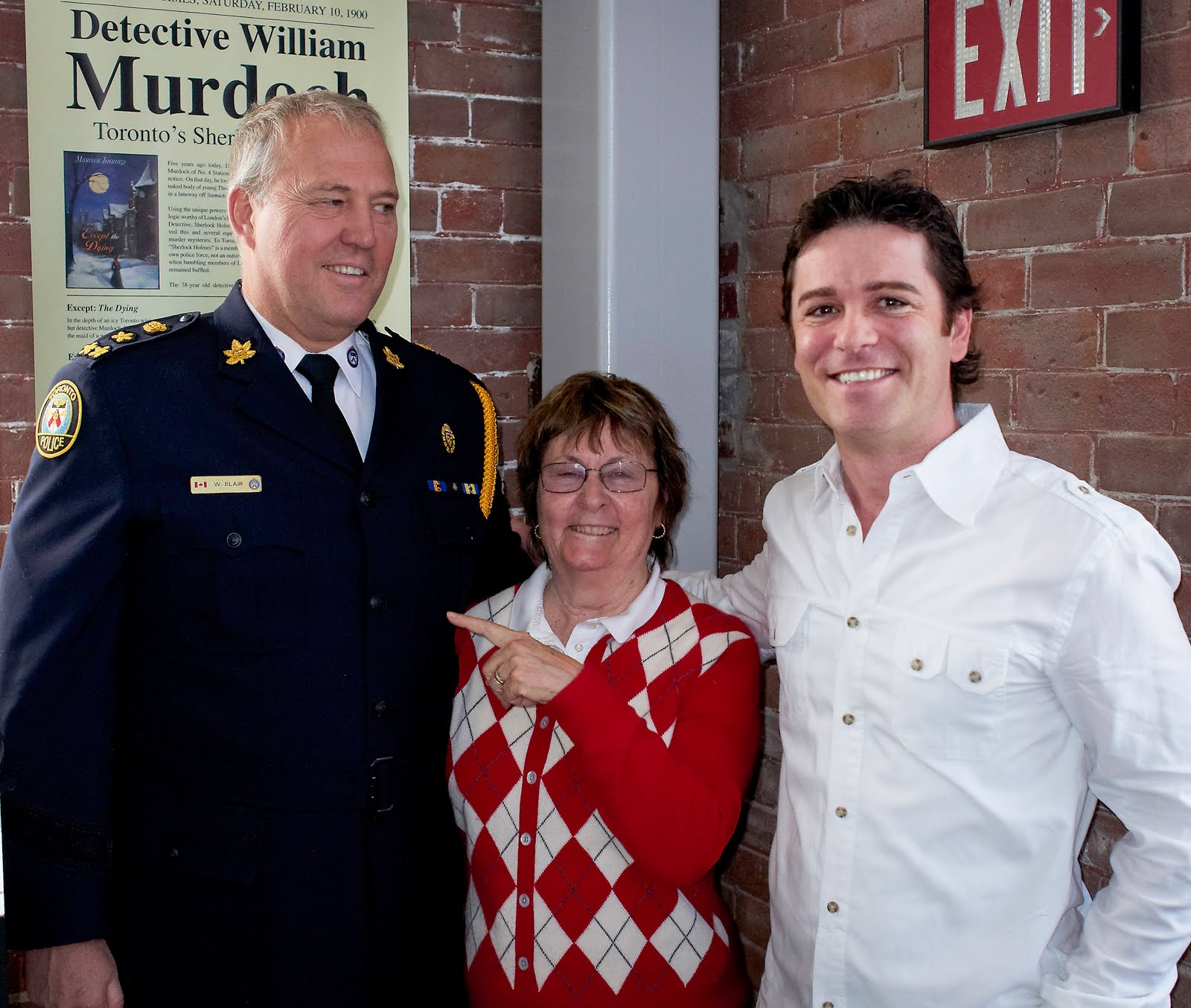 Yannick Bisson Home Site / Deanne Bray And Yannick Bisson
