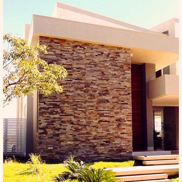 24 fachadas de casas modernas tipos de revestimentos - Ceramica para fachadas casas ...
