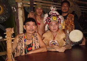 Sarawak Malaysia Borneo Rainforest World Music Festvial LAN E TUYANG (Sarawak)