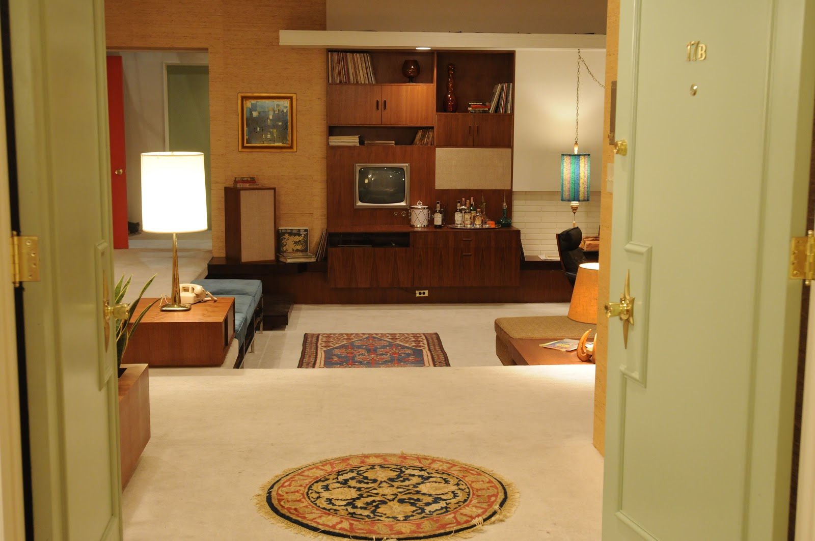 The style examiner inside don draper s apartment for 60s apartment design