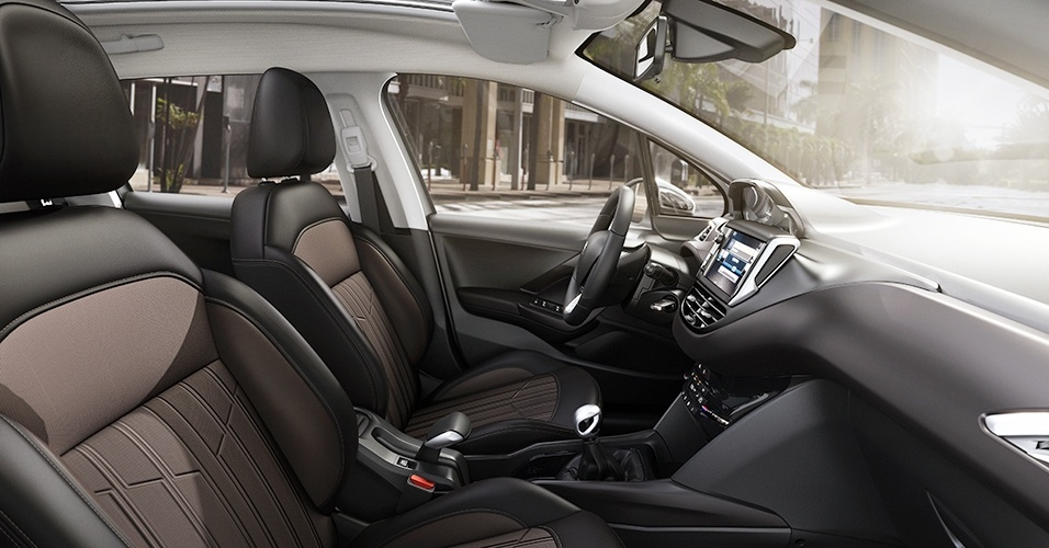 Peugeot 2008 no Brasil - interior