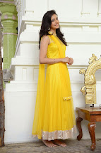 Coogled Actress Rakul Preet Singh In Cute Yellow Dress