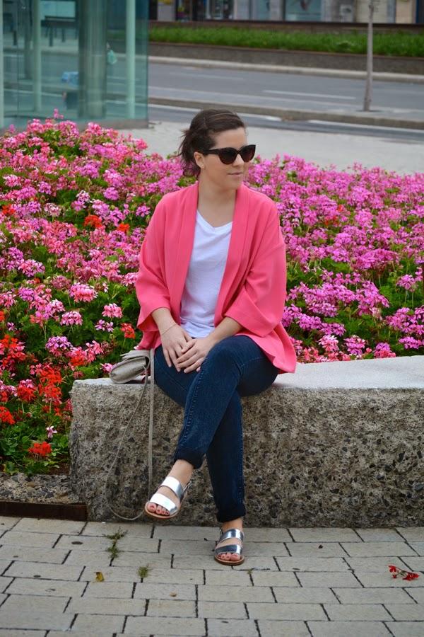 look_kimono_rosa_primavera_sandalias_plateadas_lolalolailo_06