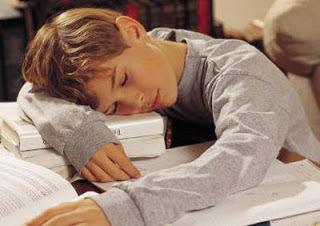 دراسة : الاذكياء يسهرون والاغبياء ينامون مبكراً