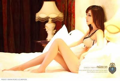 Foto Cewek Jepang Putih Mulus Cantik dan Seksi (BB17+)