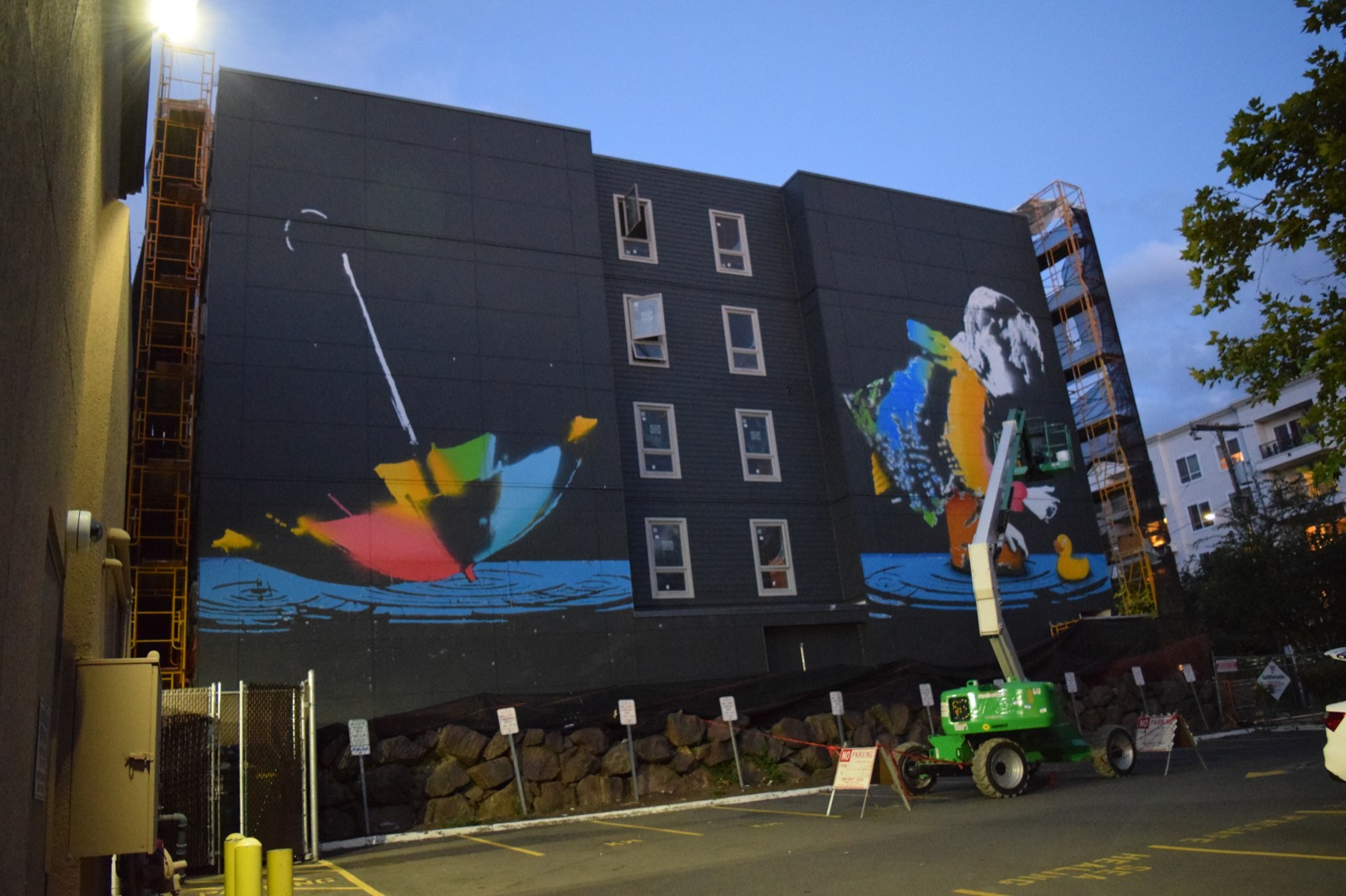 Bumblebee creates a large mural in seattle usa streetartnews streetartnews for Concerts at the mural seattle