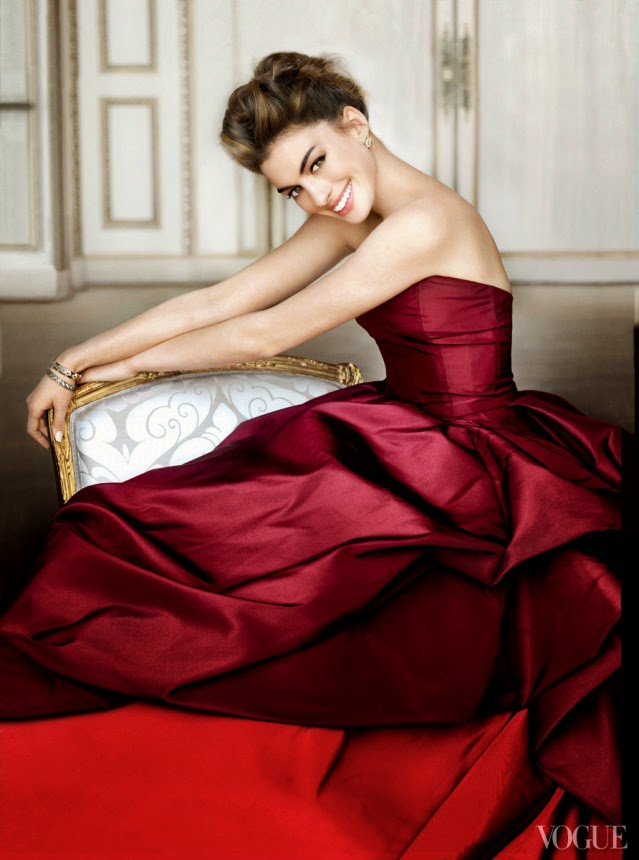 Oscar-de-la-Renta-Vogue-Archives-0