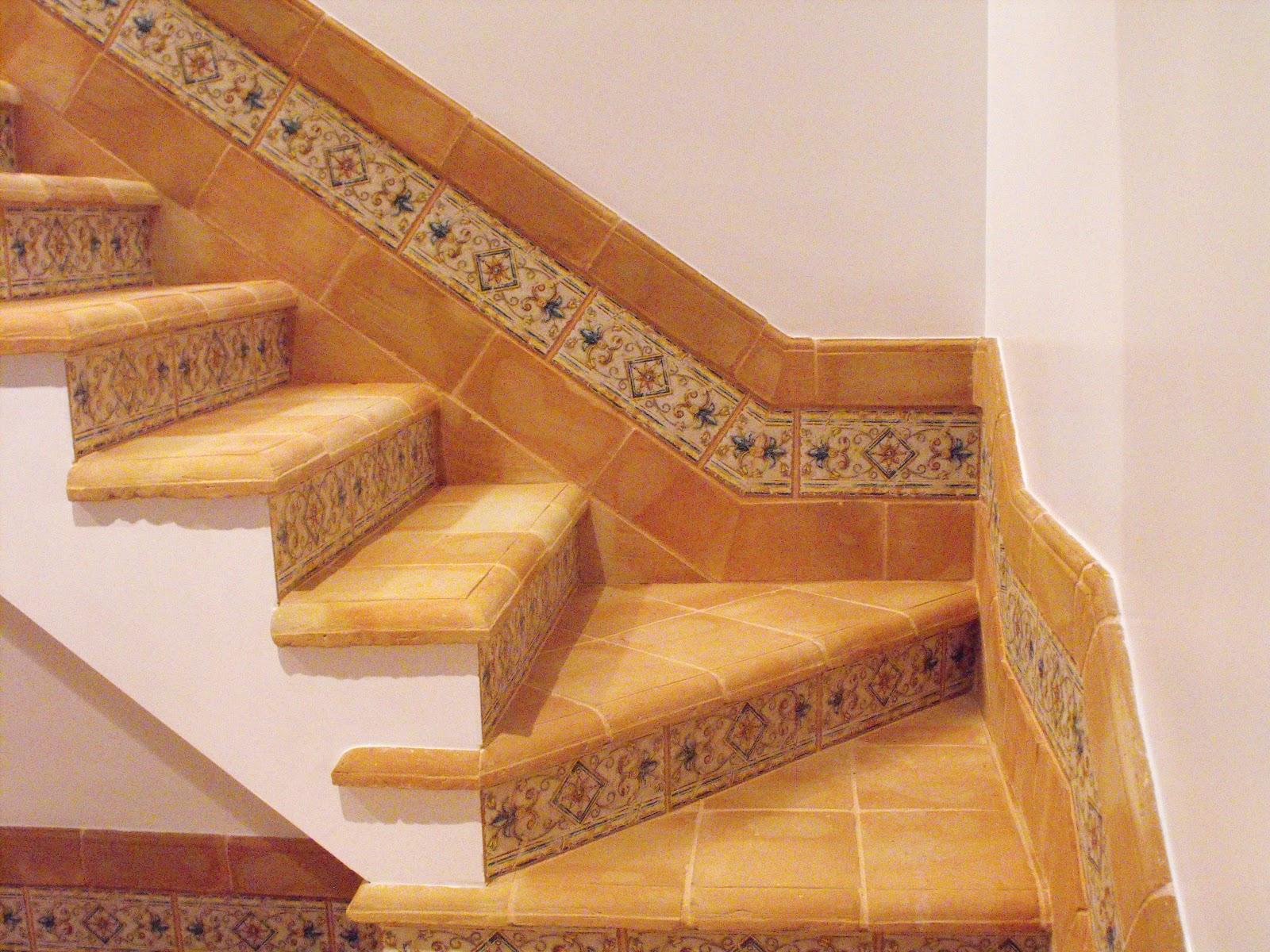 Suelos de barro preciosa escalera de suelo r stico - Ceramica imitacion ladrillo ...