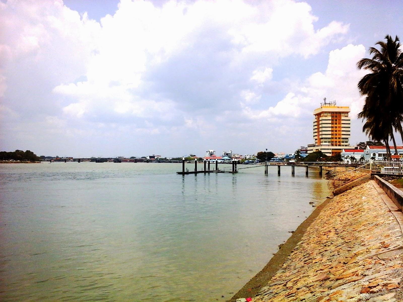 Permandangan Sungai Muar, Johor