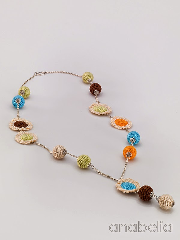Crochet-mixed-motifs-necklace-Anabelia