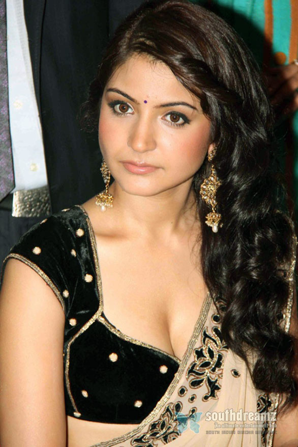 Anushka Sharma Hot Photos