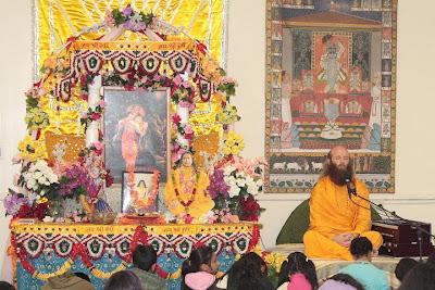 Swami Nikhilanand, disciple of Jagadguru Shree Kripaluji Maharaj
