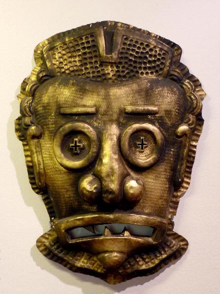 Máscara de la fachada del Teatro Fleta