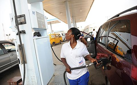 Anambra Indigenes Suffer Over Closure Of Filling Stations, As Petrol Sells For N500 Per Litre