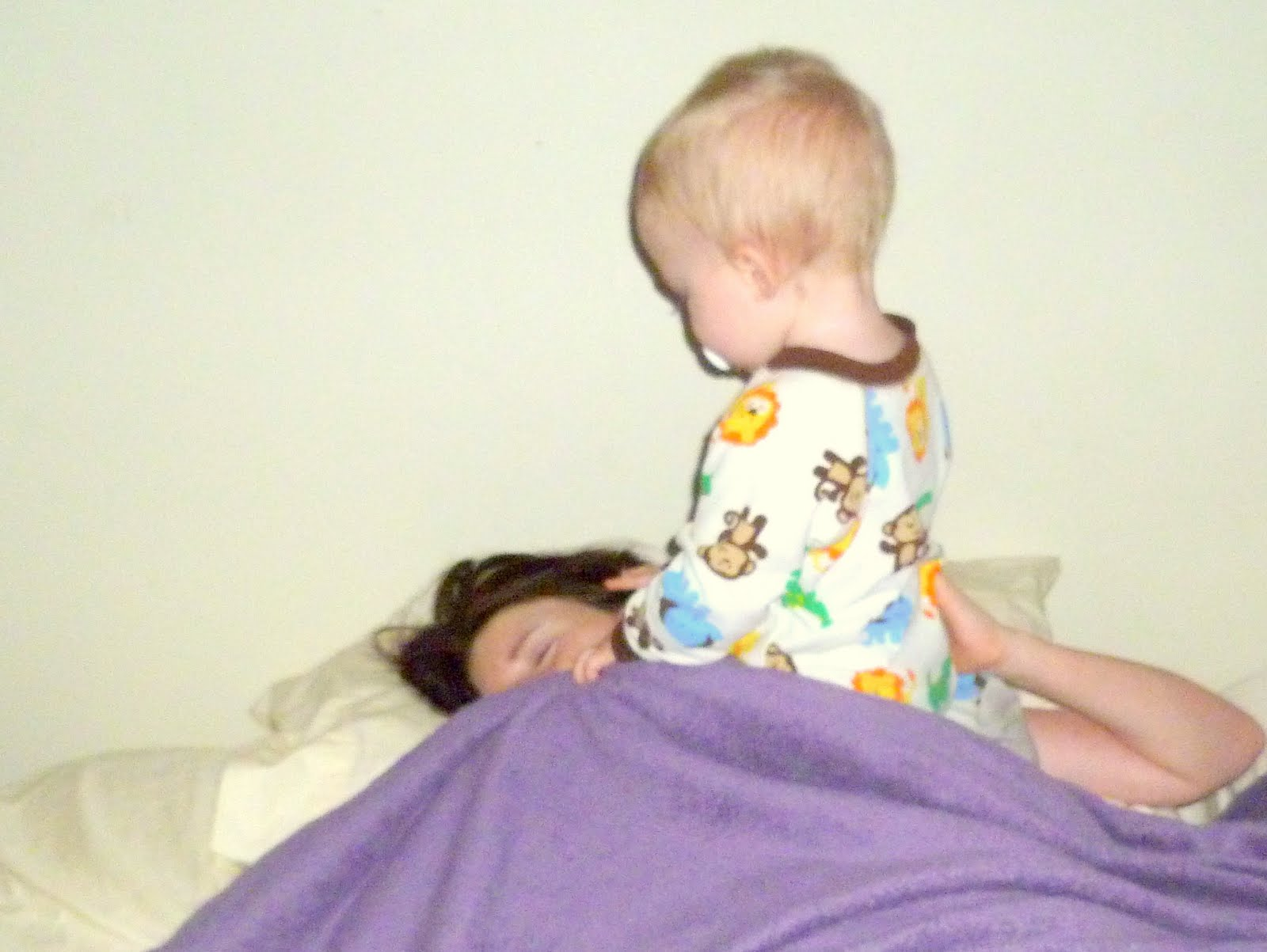 child waking up - photo #40