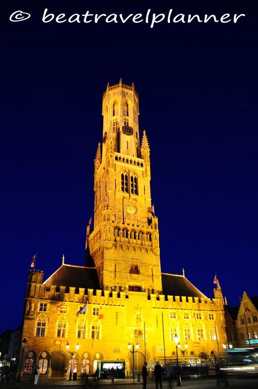 Bruges - Belfort illuminato