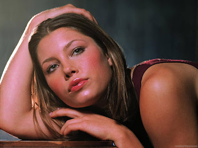 Jessica Biel Hollywood Actress Wallpaper-502-1600x1200