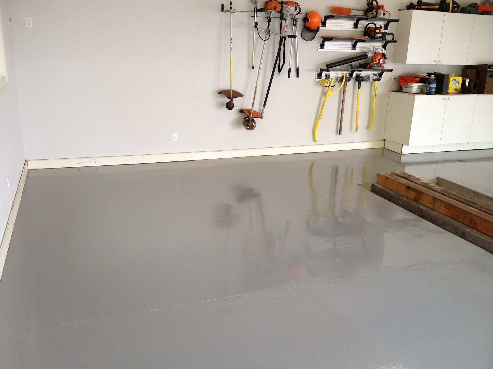 Is It Time To Resurface Your Garage Floor Concrete