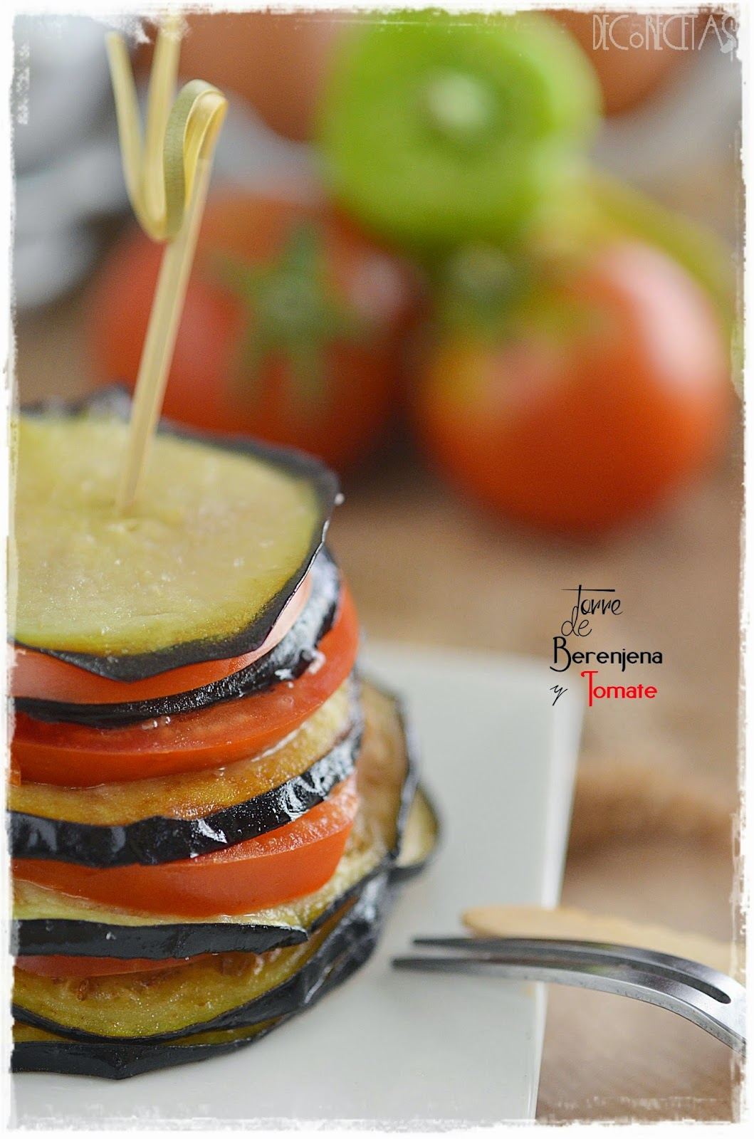 Torre de berenjena y tomate