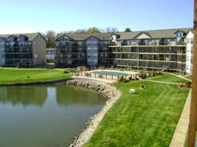 Lake of the ozarks vacation rentals 2 bedroom condo on for Asia cuisine osage beach