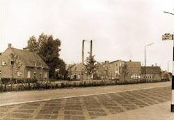 Oude foto van ons huis (links)