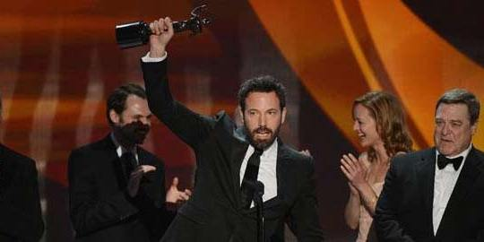 Argo winning Best Picture Oscar 2013