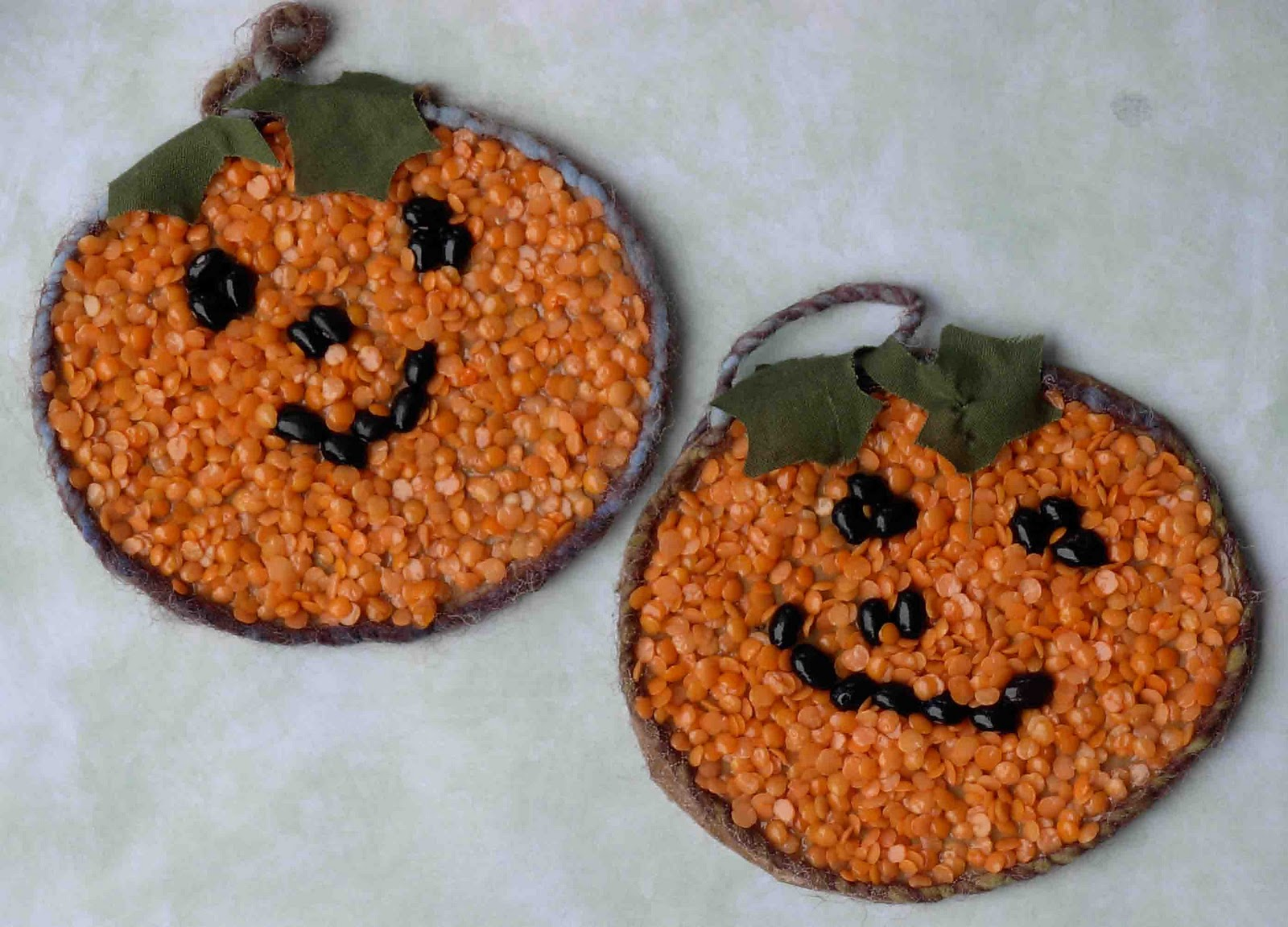 Crack of dawn crafts bean mosaics easy halloween kids craft - Bastelideen herbst kinder ...