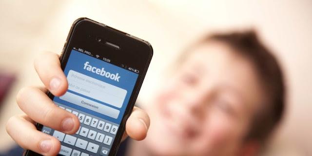 """L'application """"MyVideoDownloader"""" permet à sonutilisateur de télécharger les vidéos qui sont postées sur Facebook"""