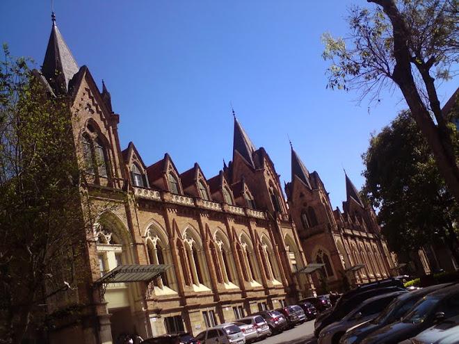 Linda a arquitetura do complexo da Santa Casa de São Paulo.