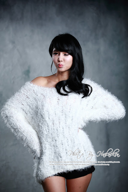 Cha Sun Hwa lovely in Fluffy White