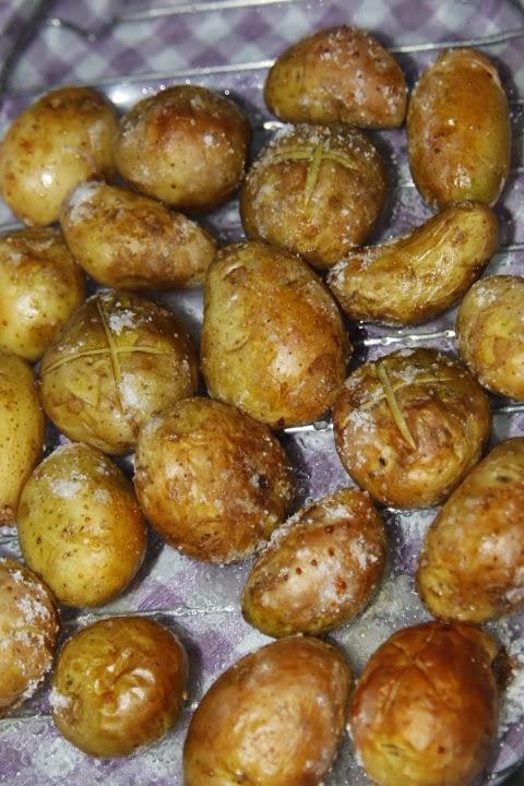 Me pongo el delantal patatas asadas con piel - Patatas pequenas al horno ...