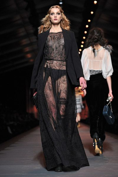 CHRISTIAN DIOR - Paris Fashion Week - Herbst / Winter 2011/2012