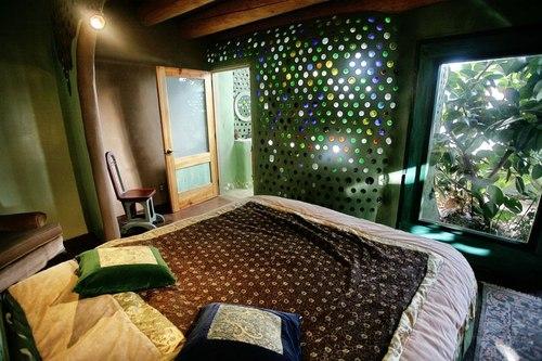 Moon to moon earthships for Earth bedroom