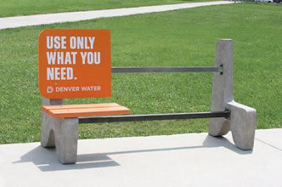 action guérilla marketing Denver water Banc publique
