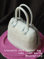 Crocodile skin leather bag cake class