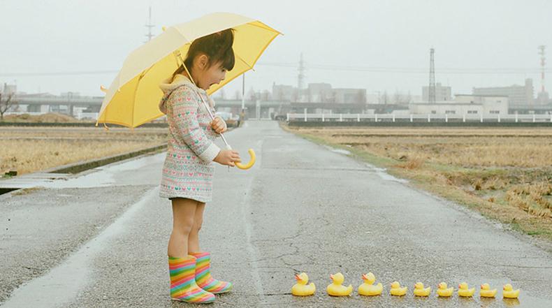 Fotógrafo japonés toma fotos pintorescas de su hija de 4 años de edad