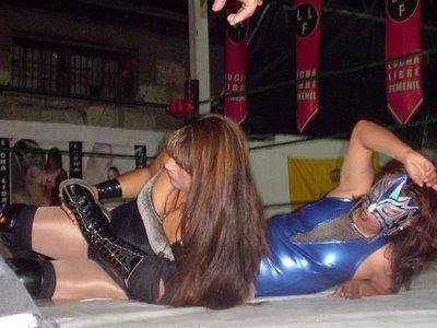 Luchadoras-Tigeresa vs Lady Dinamita