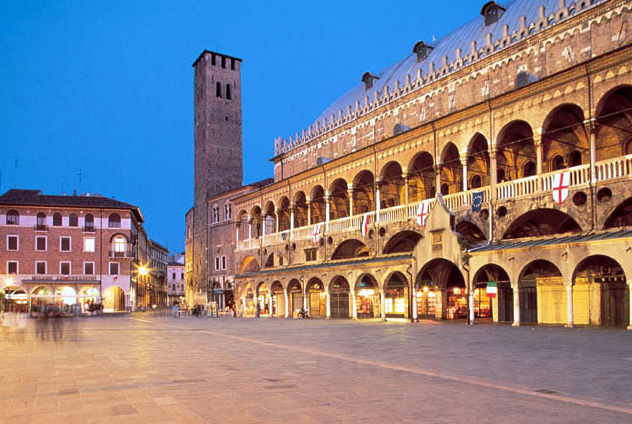 Food Market Tour Padua with Mama Isa: Palazzo della Ragione