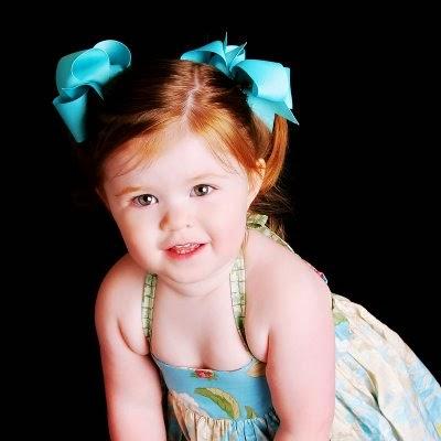 Photo bébé fille a l'âge de 3 ans