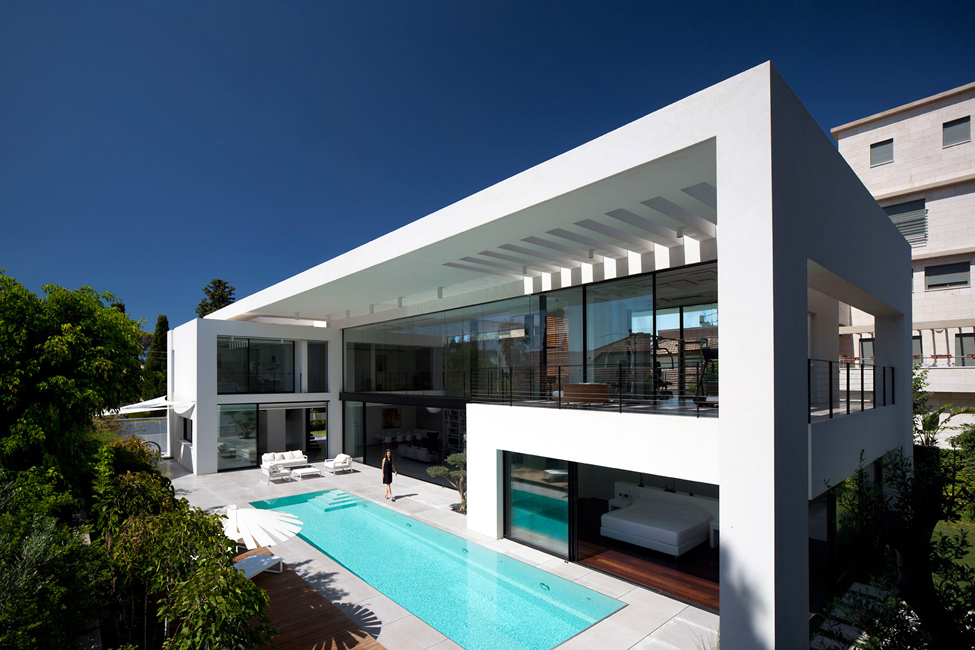 Contemporain du bauhaus sur le carmel une oasis de for Studio 11 architecture
