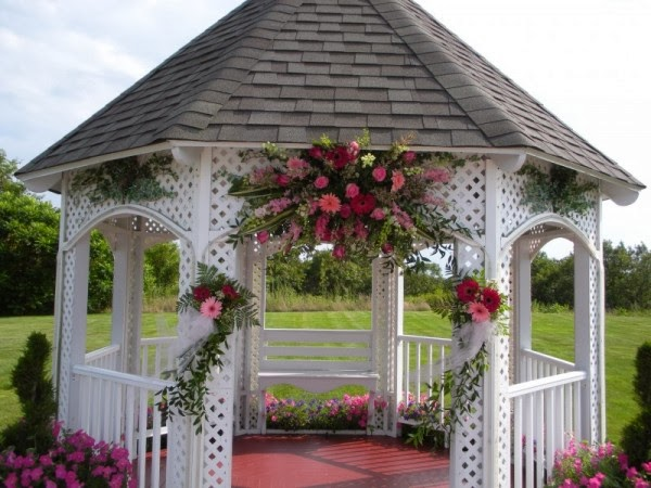 Memorable wedding decorated wedding gazebo a wedding to for Outdoor wedding gazebo decorating ideas