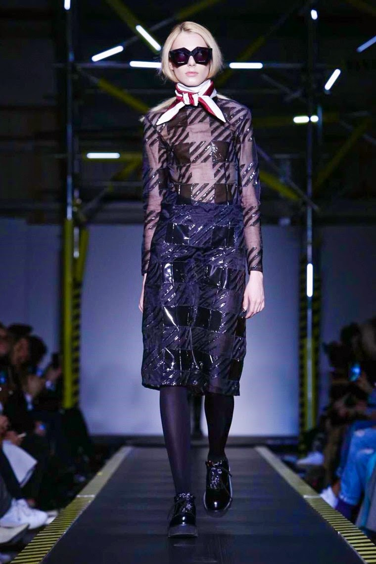 House of Holland AW15, House of Holland FW15, House of Holland Fall Winter 2015, House of Holland Autumn Winter 2015, House of Holland, du dessin aux podiums, dudessinauxpodiums, vintage look, dress to impress, dress for less, boho, unique vintage, alloy clothing, venus clothing, la moda, spring trends, tendance, tendance de mode, blog de mode, fashion blog, blog mode, mode paris, paris mode, fashion news, designer, fashion designer, moda in pelle, ross dress for less, fashion magazines, fashion blogs, mode a toi, revista de moda, vintage, vintage definition, vintage retro, top fashion, suits online, blog de moda, blog moda, ropa, asos dresses, blogs de moda, dresses, tunique femme, vetements femmes, fashion tops, womens fashions, vetement tendance, fashion dresses, ladies clothes, robes de soiree, robe bustier, robe sexy, sexy dress