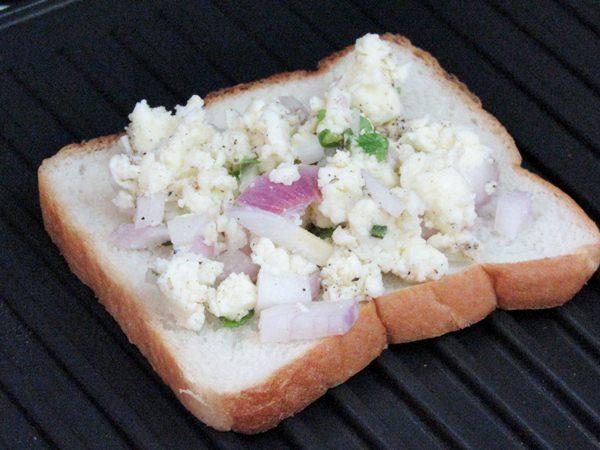 grilled paneer sandwich 2