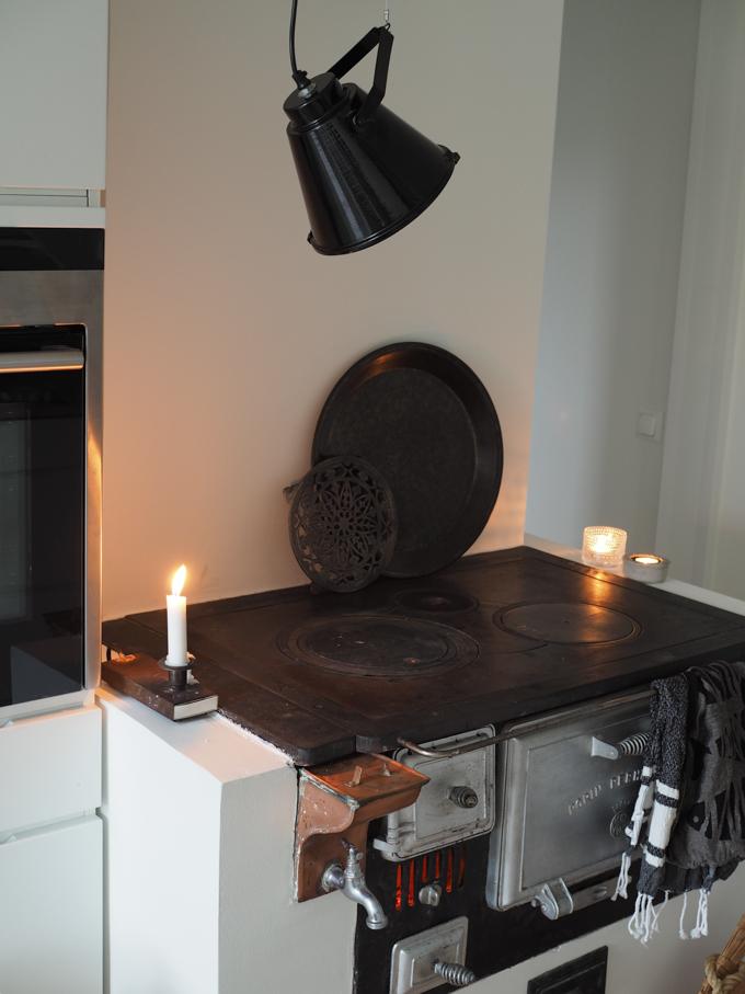 House Doctor Base Camp taklampa, salonki & sisustus Akkuna turku sisustusliike, musta tehdastyylinen lamppu