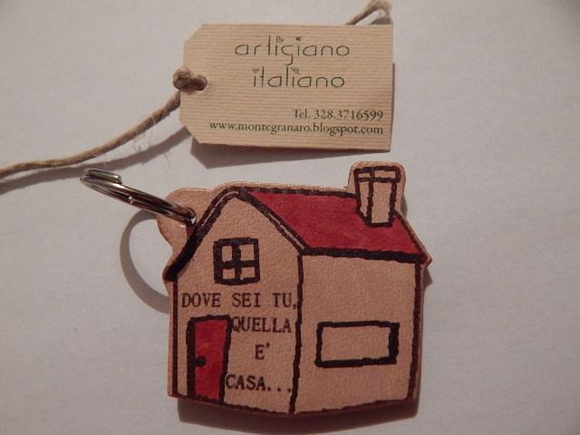 Portachiavi casa con scritte, articoli personalizzati fatti a mano
