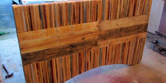 Mesa realizada con tablas de palets - Mesas con palets ...