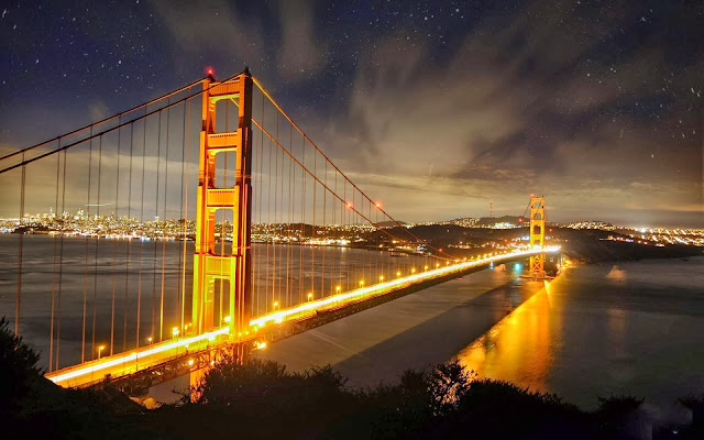 Golden Gate Bridgeat Night