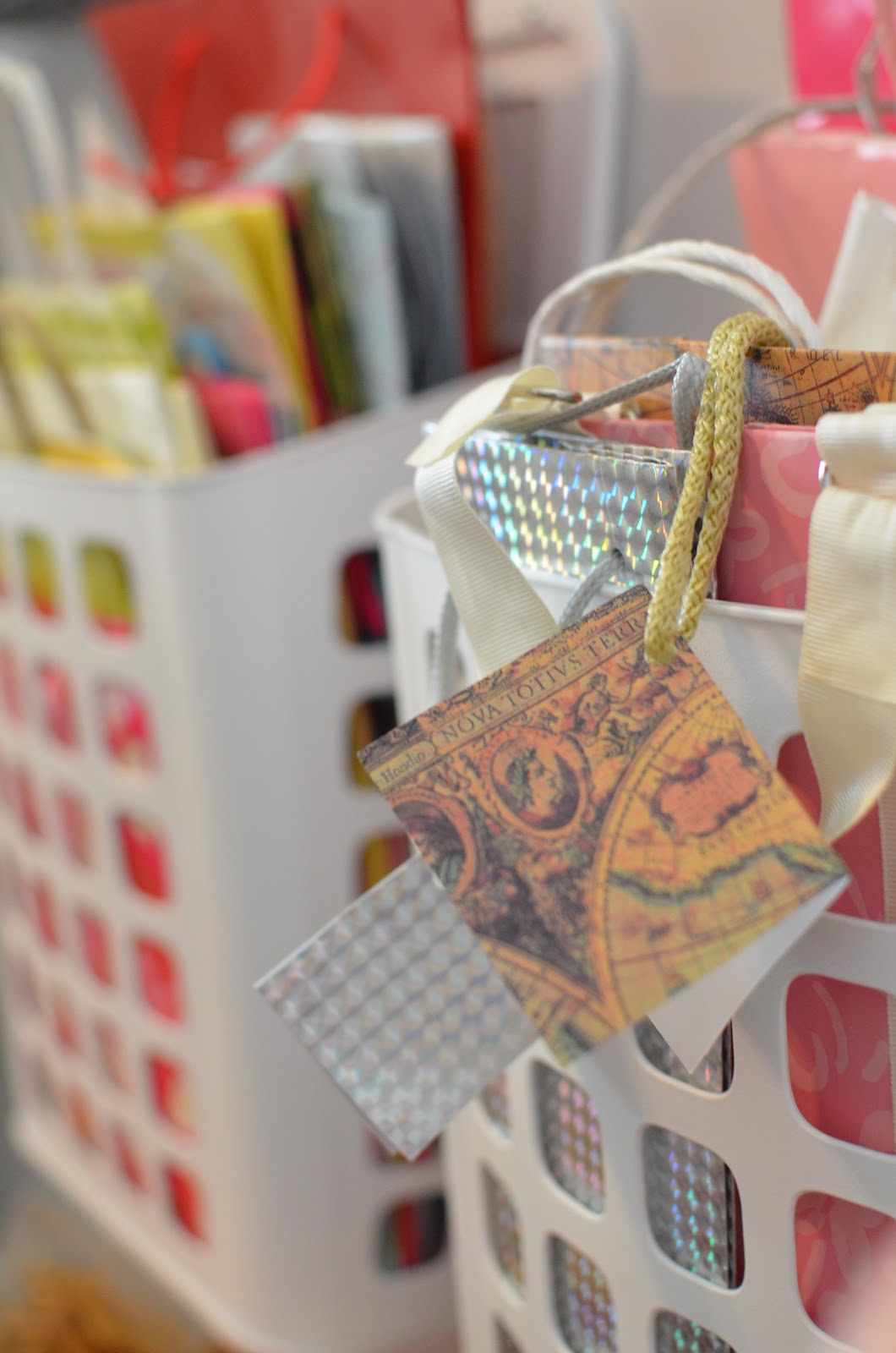 Ikea Wickelkommode Hemnes Neupreis ~ RATIONELL VARIERA Trash Baskets for gift bags