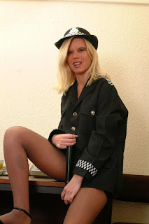 赤裸的黑发 - sexygirl-Police_Woman_wow_what_a_truncheon_DSCF0560-760739.jpg