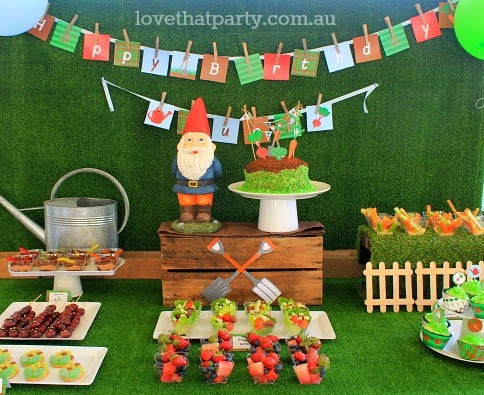 How to get kids eating healthy party food! Tips, tricks and ideas at Love That Party. www.lovethatparty.com.au